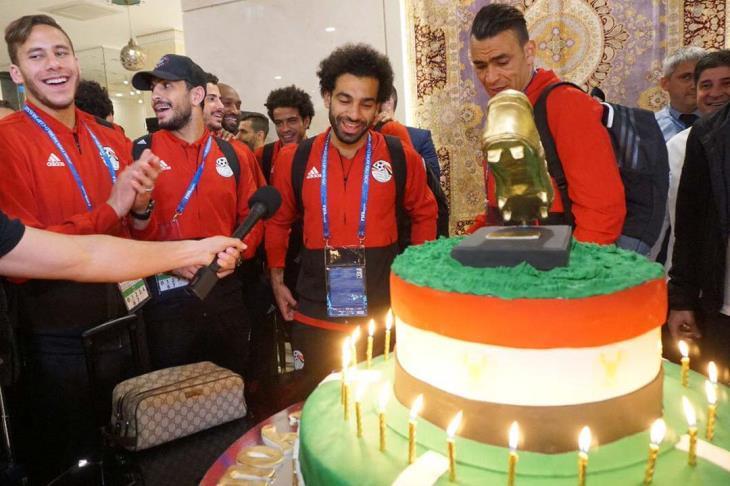 يلا كورة يكشف.. كواليس الاحتفال بعيد ميلاد صلاح في فندق إقامة المنتخب بروسيا