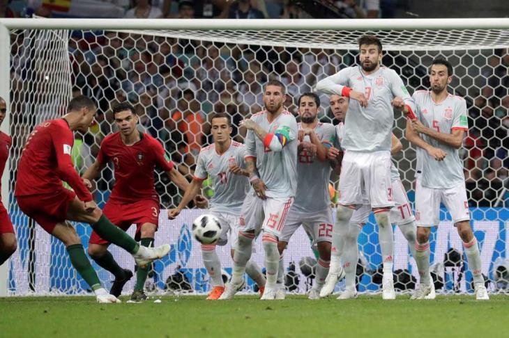 هدف رونالدو الثالث يسطر أكثر التغريدات خلال مباراة إسبانيا والبرتغال