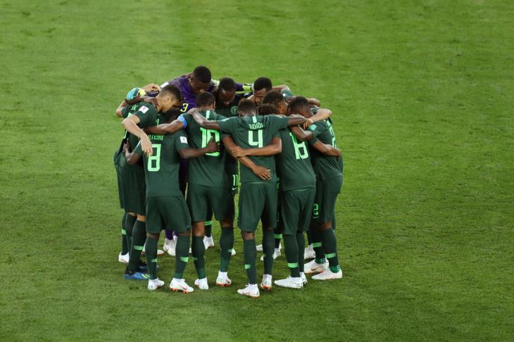 بعد البداية بـ7 ثوان فقط.. نيجيريا تقتحم شباك مصر بهدف (فيديو)