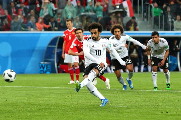 """بالفيديو.. كاميرا يلا كورة ترصد """"من المدرج"""".. أول هدف لمصر في كأس العالم منذ 28 عام"""