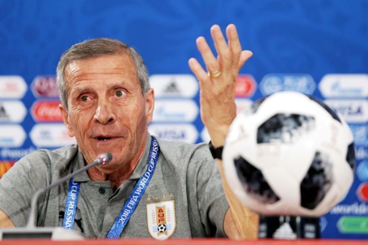 """منافسو مصر.. تاباريز يطالب بـ""""الصبر"""" على لويس سواريز"""