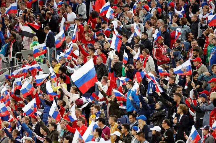 مشاعر الفرحة العارمة تجتاح روسيا بعد الفوز على مصر في المونديال