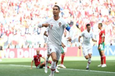 جماهير المغرب تهتف لميسي لاستفزاز رونالدو