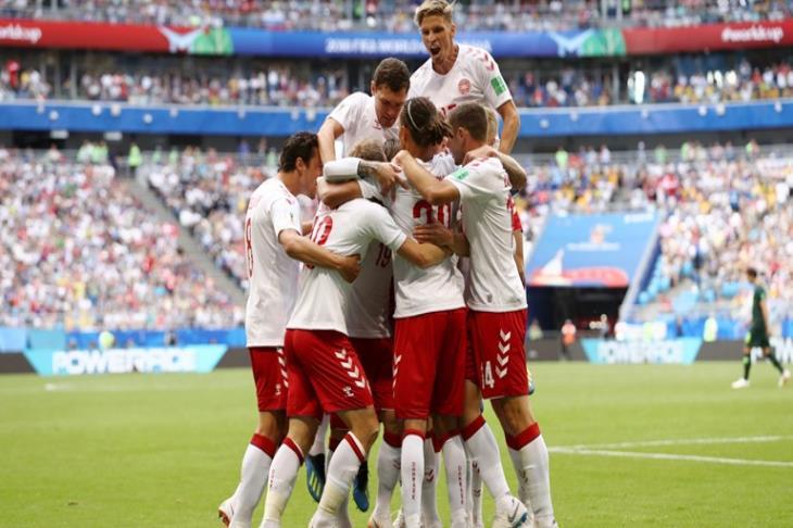الدنمارك تفشل في حسم التأهل لثمن نهائي المونديال