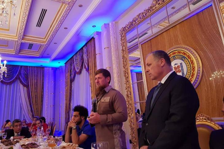 رئيس الشيشان يمنح صلاح حق المواطنة الفخرية