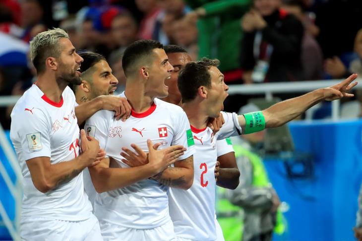 بالفيديو.. سويسرا تقلب الطاولة على صربيا وتشعل مجموعة البرازيل بالمونديال