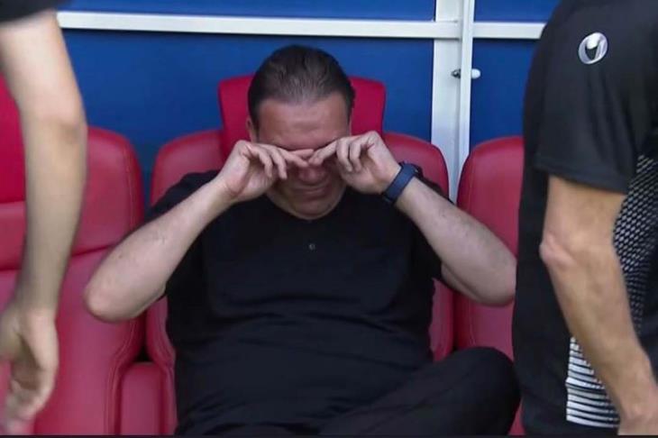 """بالفيديو.. نبيل معلول """"يبكي"""" قبل مباراة تونس وبلجيكا"""