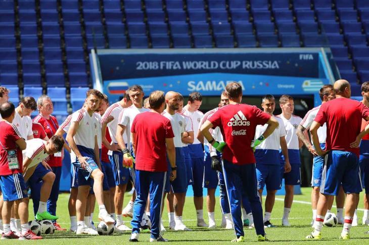 """رئيس """"وادا"""" السابق ينتقد تغاضي الفيفا عن فضيحة المنشطات في الكرة الروسية"""