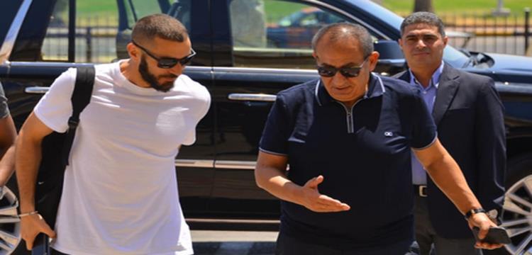 يلا كورة ينشر صور زيارة كريم بنزيما للغردقة