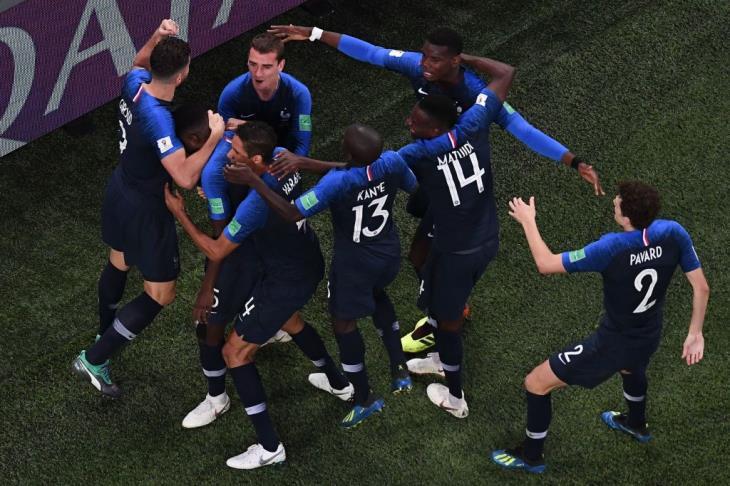 تقرير.. فرنسا ترقص فرحا بالتأهل لنهائي مونديال روسيا