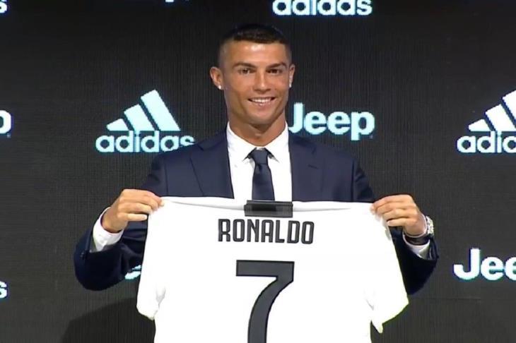 بعد تتويج هدفه بالأفضل.. رونالدو: لحظة لا تُنسى