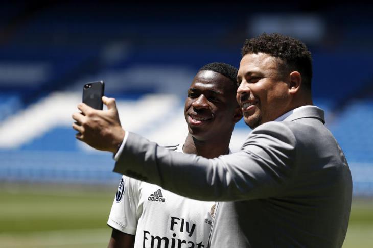 ريال مدريد يقدم لاعبه الجديد فينيسيوس