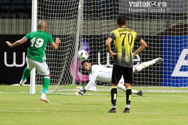 افتتاح الدوري يشهد أول ضربة جزاء مهدرة وحالة طرد