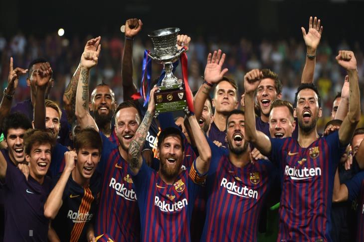 رقم قياسي جديد.. ميسي الأكثر تتويجًا في تاريخ برشلونة