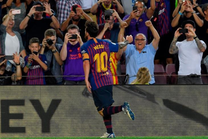 بالفيديو.. توهج ميسي.. برشلونة يبدأ الدفاع عن لقبه بثلاثية في ألافيس