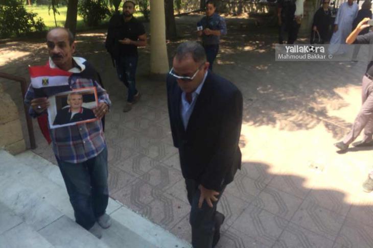 بالصور.. الخطيب وحمدي وشوبير على رأس الحضور في جنازة عادل هيكل