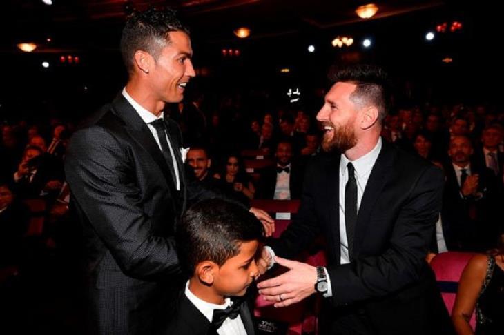 """سيميوني: ميسي بمثابة """"فريق"""".. ورحيل رونالدو ضيق الفجوة مع ريال مدريد"""