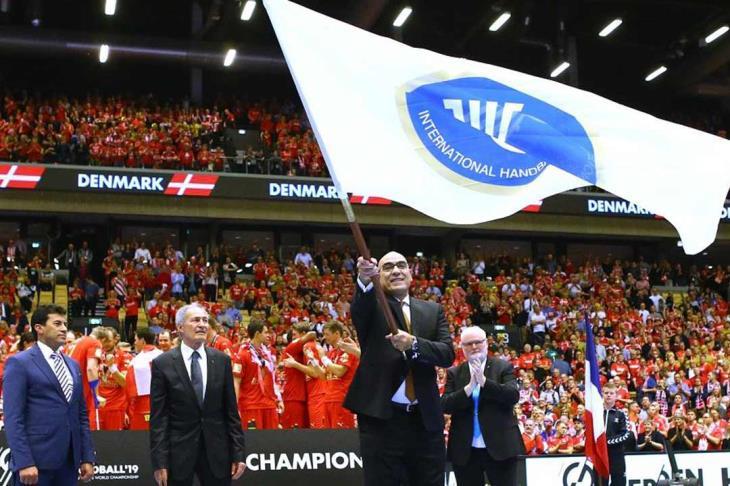 مصر تتسلم راية تنظيم مونديال اليد 2021 من الدنمارك