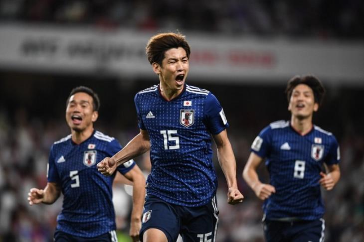 اليابان تكتسح إيران بثلاثية وتتأهل لنهائي كأس آسيا