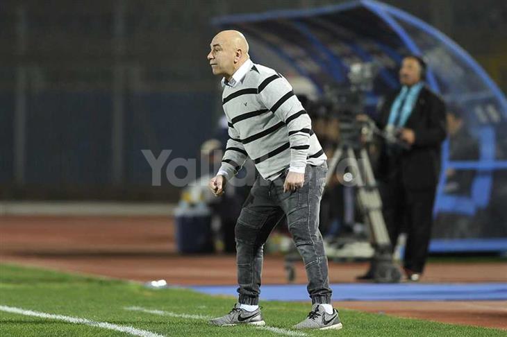 حسام حسن يمدد تعاقده مع سموحة لمدة موسم إضافي