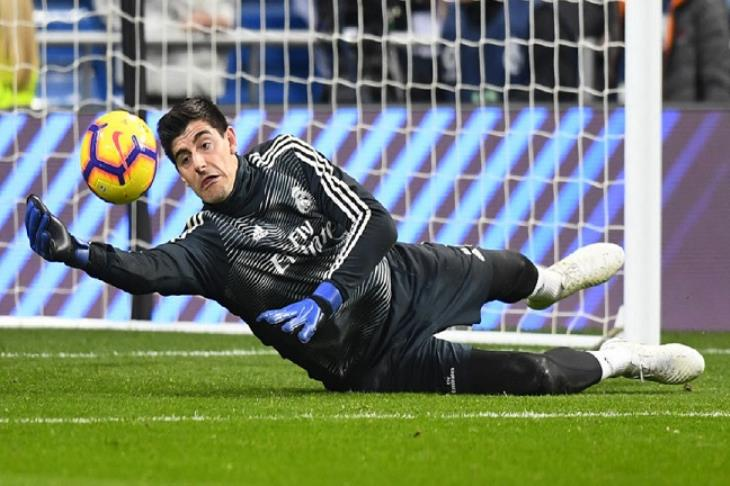 كورتوا: أثق بأن ريال مدريد يسير في الطريق الصحيح