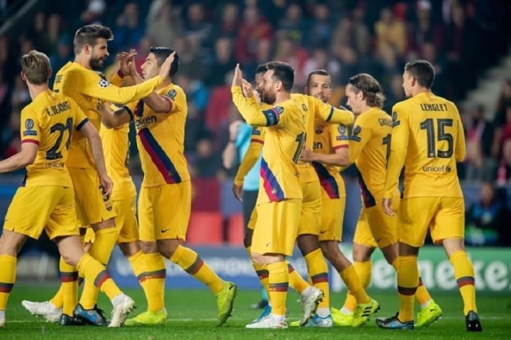 برشلونة يهزم سلافيا براج بصعوبة وينتزع صدارة مجموعته بدوري الأبطال