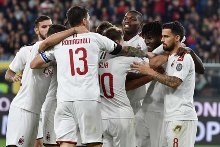 ميلان يحقق فوزه الأول مع بيولي على حساب سبال في الدوري الإيطالي