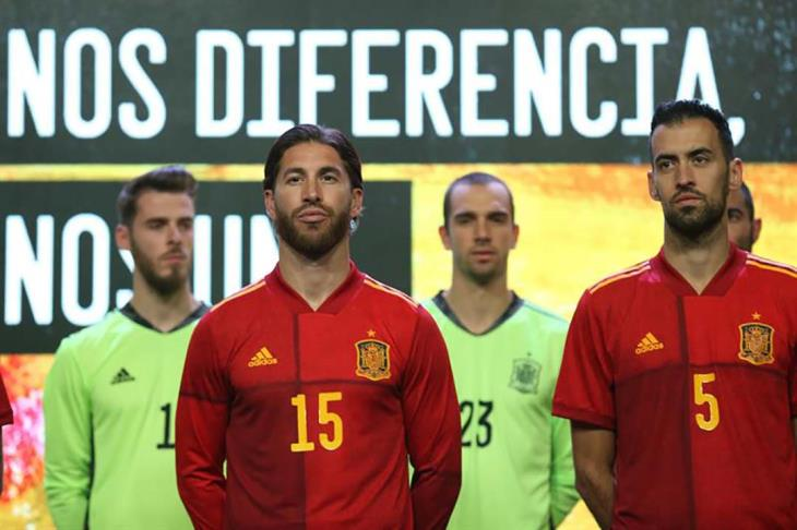 إسبانيا تقدم رسميا قميص يورو 2020