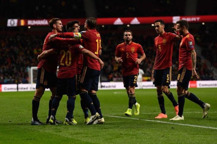مدرب إسبانيا المُقال: أنا رجل أحترم كلمتي.. وأشكر اللاعبين