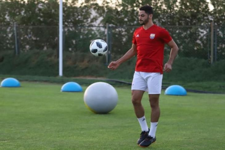 وكيل الجزار ليلا كورة: انتظر رد الأهلي علي عرض بطل صربيا الرسمي لشراء اللاعب
