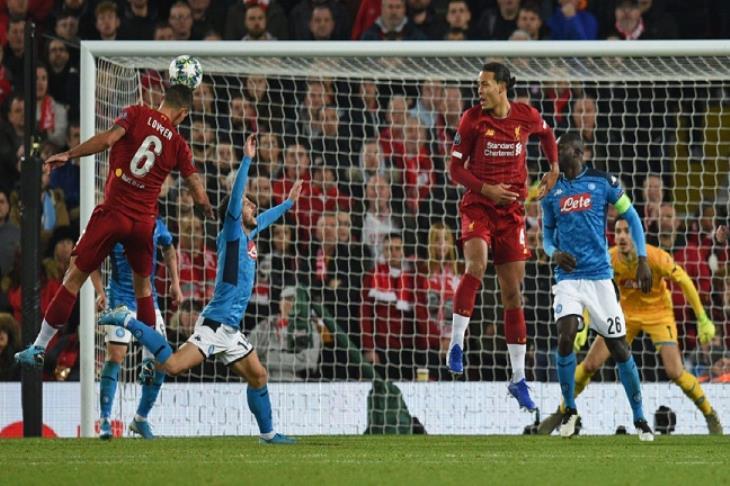 لوفرين ينقذ ليفربول من السقوط في أنفيلد ويمنحه التعادل مع نابولي في دوري الأبطال