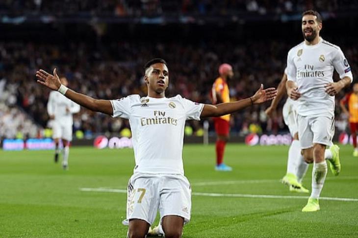 ريال مدريد يكتفي بسداسية في جالطة سراي.. وباريس يتأهل إلى ثمن نهائي الأبطال