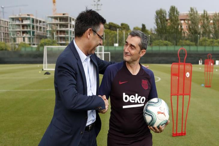 بارتوميو: فالفيردي هو المدرب المثالي لبرشلونة في هذه المرحلة