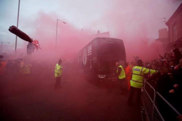 جوارديولا يطالب بحماية الشرطة لفريقه قبل مباراة ليفربول