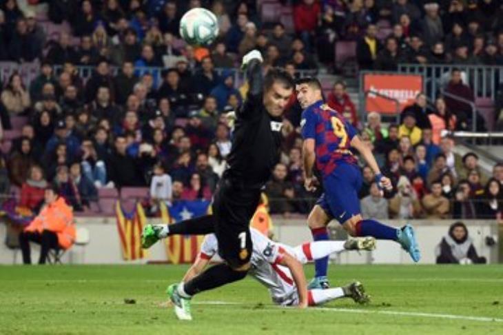 """بالفيديو.. """"الأفضل في مسيرتي"""".. سواريز يتحدث عن هدفه """"الخيالي"""" أمام مايوركا"""