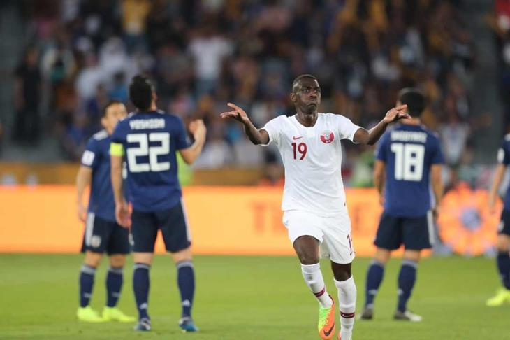 المعز علي يصبح الأكثر تسجيلاً للأهداف في نسخة واحدة بكأس آسيا