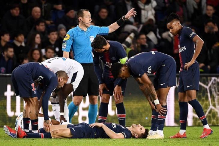 متاعب باريس تتزايد قبل مواجهة مانشستر.. مونييه يغيب عن موقعة الأبطال