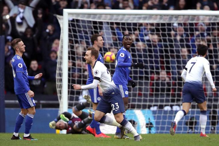 توتنهام يواصل انتفاضته بثلاثية في ليستر سيتي في الدوري الانجليزي
