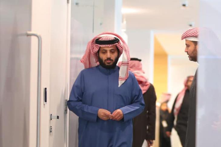 شريك تركي آل الشيخ ..  شاهد اللقاء الأول وصورة مالك بيراميدز الجديد