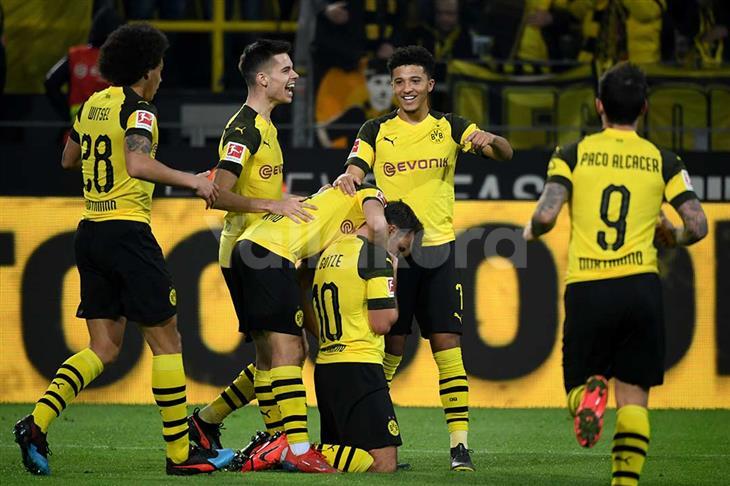 تغريم ناديي بوروسيا دورتموند وفورتونا دوسلدورف بسبب سلوك الجماهير