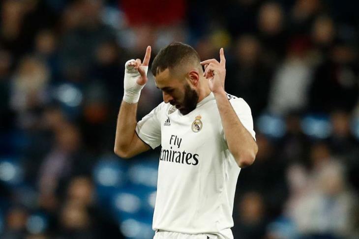 بنزيما يخوض تدريبات ريال مدريد رغم الإصابة