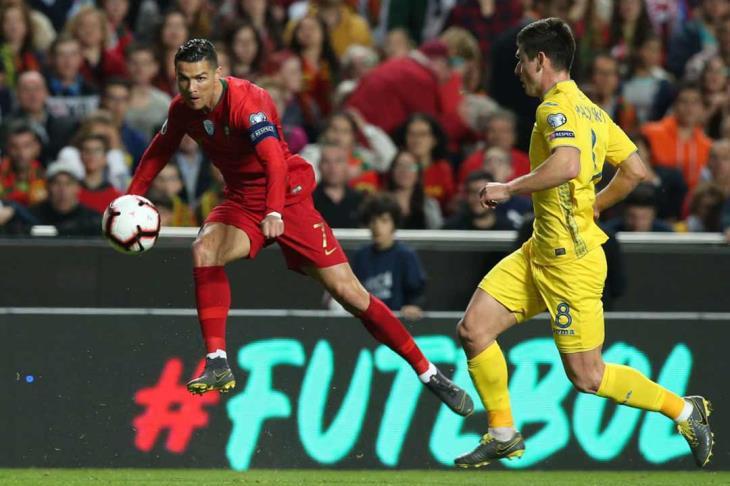 رونالدو يتصدر قائمة البرتغال للمربع الذهبي بدوري الأمم الأوروبية