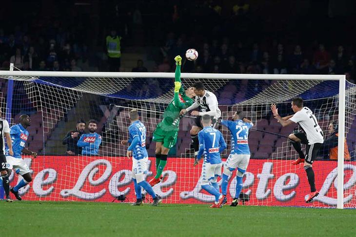 بشق الأنفس.. يوفنتوس يخطف فوزًا من نابولي ويقترب من لقب الدوري الإيطالي