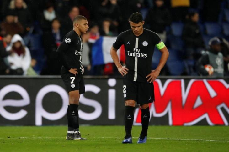 تقارير: باريس سان جيرمان يحدد مبكرا هوية اللاعبين الراحلين مع نهاية الموسم