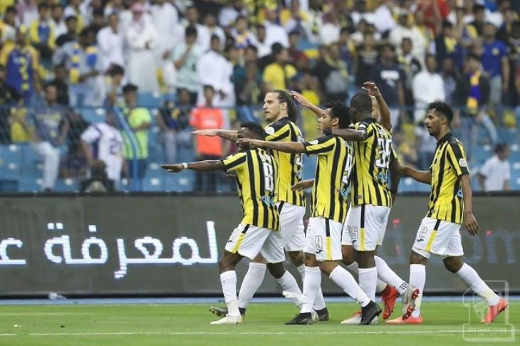 الاتحاد يتجاوز دائرة الهبوط على حساب النصر.. ويعيد الهلال لصدارة الدوري السعودي