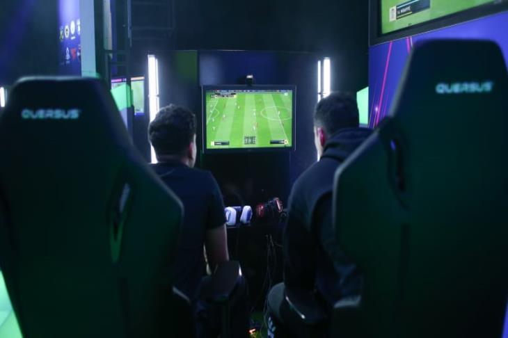 إنجلترا وفرنسا يتأهلان لربع نهائي كأس الأمم الإلكترونية في FIFA19