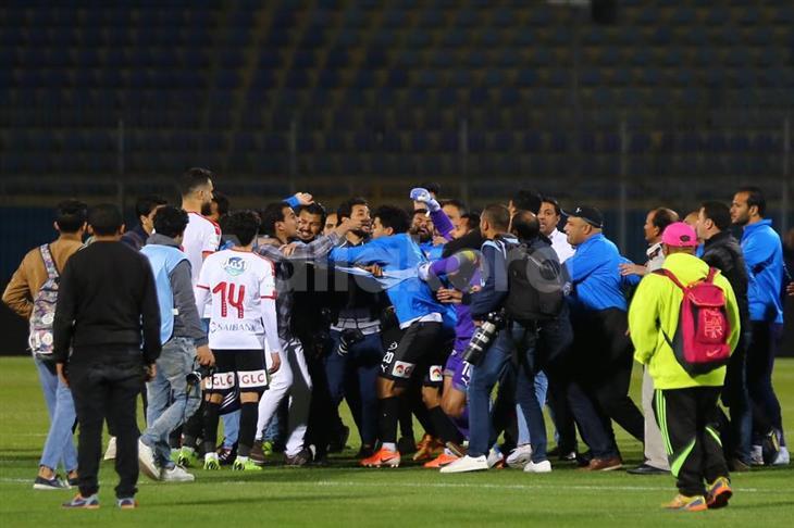 مصور صحفي يتقدم ببلاغ ضد لاعبي الزمالك بعد الاعتداء عليه في مباراة بيراميدز