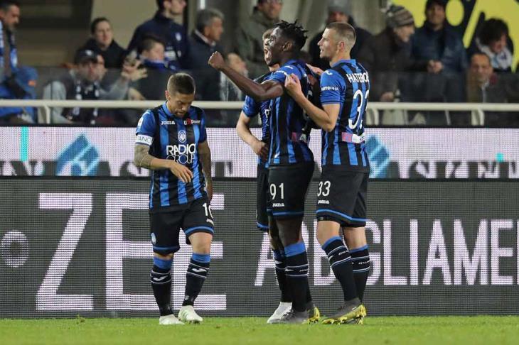 أتالانتا يواصل نتائجه الإيجابية ويهزم نابولي بهدفين في الدوري الإيطالي