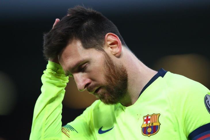 تقارير تكشف.. سبب ترك ميسي حافلة برشلونة بعد الهزيمة أمام ليفربول