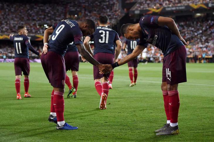 ابداع أوباميانج يقود أرسنال لفوز كبير على فالنسيا والتأهل لنهائي الدوري الأوروبي